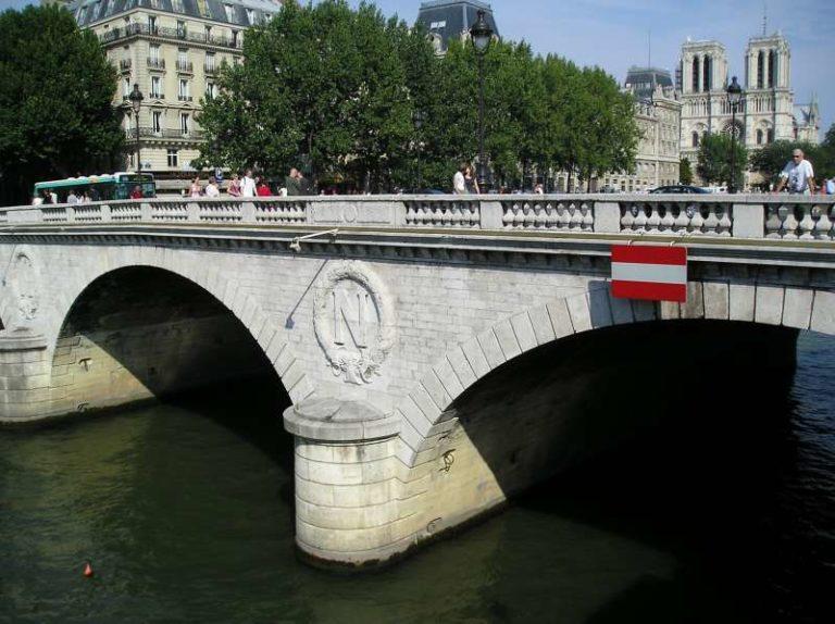 pont à proximité autour de moi